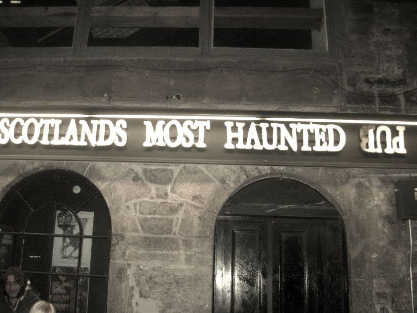 haunted-pub
