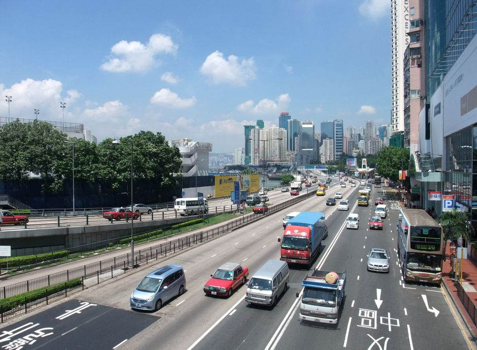 1600px-gloucester_road,_hong_kong_1